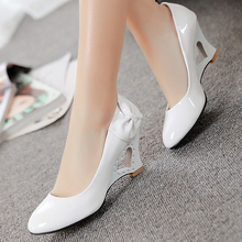 Summer Women Shoes 2019 Cute Bowknot Candy Color Hollow Slope Heel Patent Leather Pumps High Heels