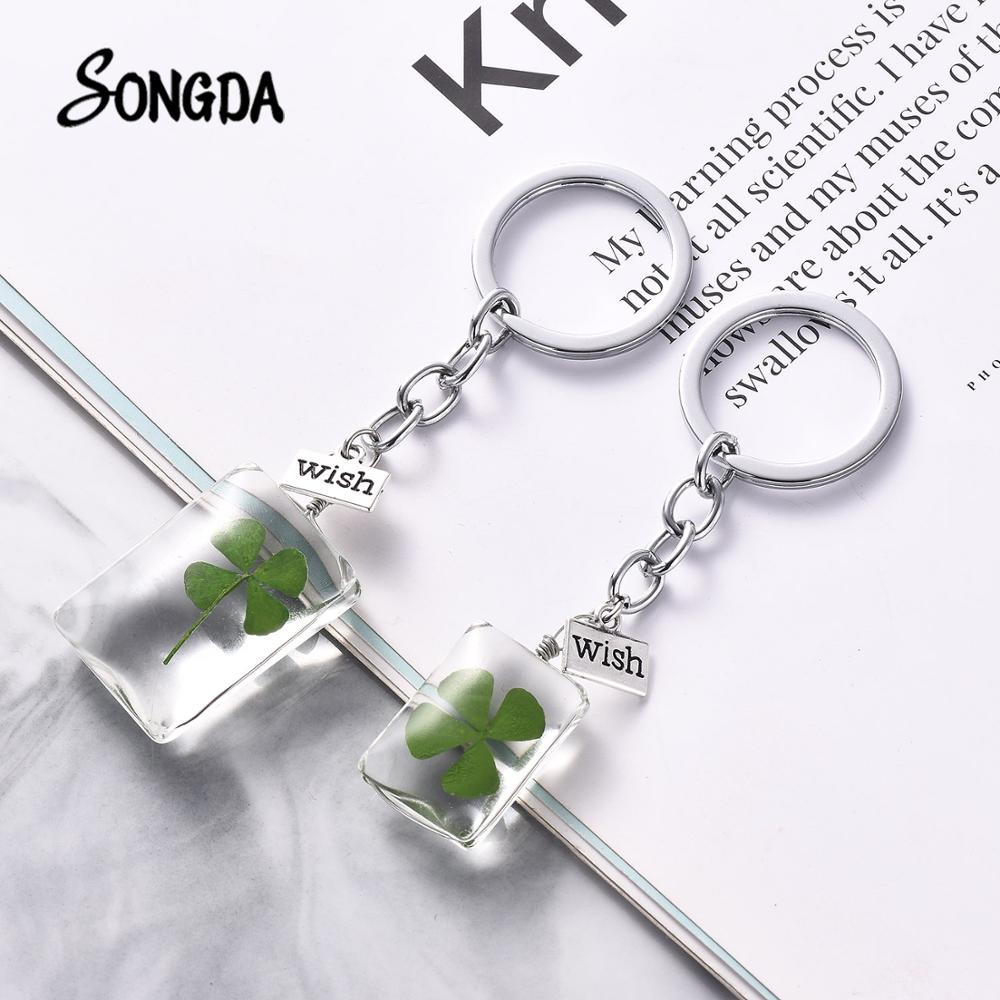 SONGDA Hot Wish Label Design Natural Clover Keychain Lucky Four Leaf Clover Transparent Glass Pendants Key Chain For Girlfriend