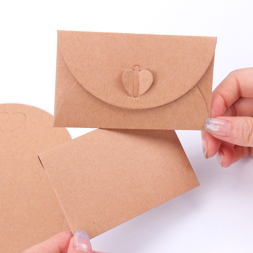 10PCS Vintage European Love Button Envelope DIY Kraft Envelope Creative Heart Button Decoration Romantic Love Letter Envelope
