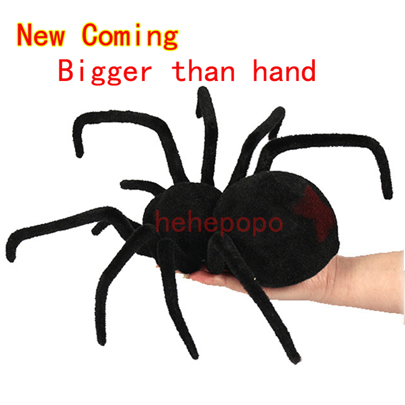 Super Big Than Hand Four-way Remote Control Spider Simulation Black Widow Tarantula Scary Electronic Crawling Insect Pet Toy