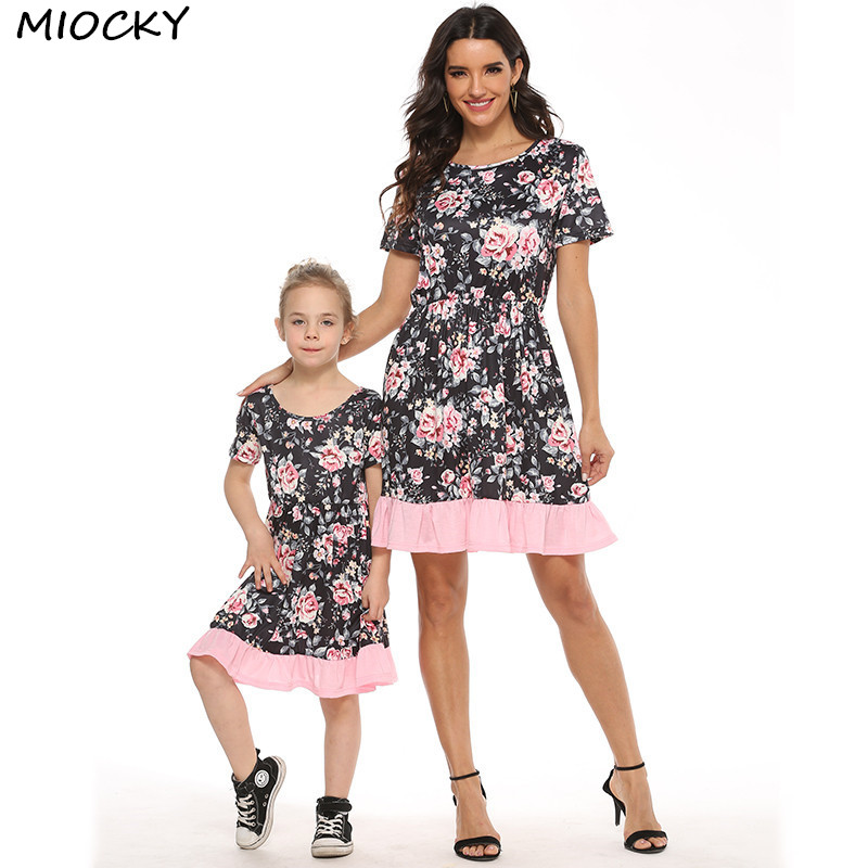 summer-2020-mommy-and-me-clothes-princess-baby-dresses-girl-short-sleeve-floral-mother-daughter-dresses-beach-sundress-c0396