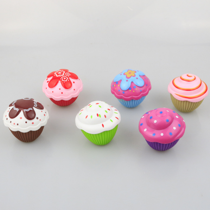 1pc mini bonito bolo boneca brinquedo surpresa cupcake crianças boneca brinquedos para crianças transformadas scented meninas engraçado jogos presentes