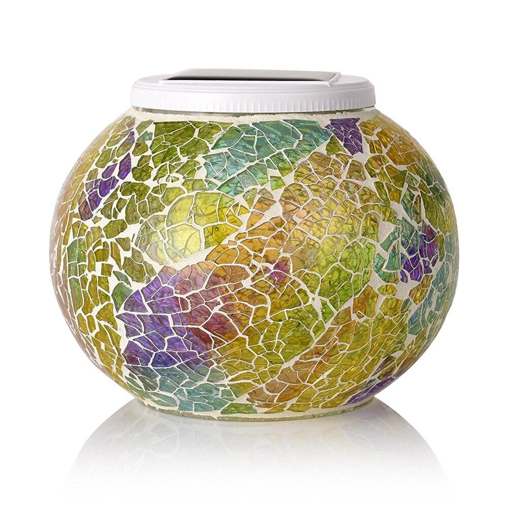 A bola de vidro posta solar do mosaico conduziu luzes do jardim