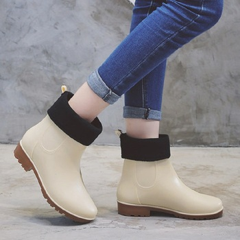 2019 spring and autumn in the tube ladies Martin rain boots new low to help rain boots non-slip Korean women's rubber boots