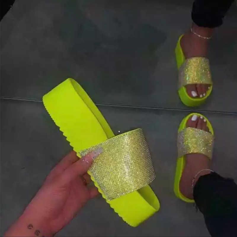 Летние женские шлепанцы; Уличная модная женская обувь на плоской платформе со стразами; Женские шлепанцы; Яркие цвета; Женские пляжные сандалии