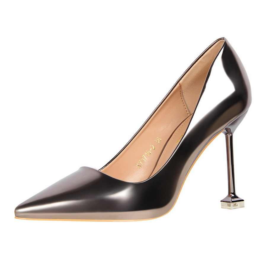 Yalnn Retro Cao Địa Ngục Bơm Nữ Giày Nữ Mỏng Địa Ngục Giày Cao Gót Nông Mũi Nhọn Gợi Cảm Hàng Ngày Giày Người Phụ Nữ Bơm Giày dành Cho Nữ