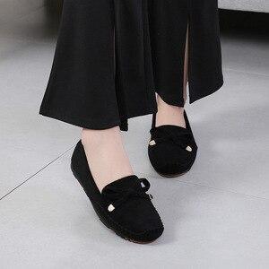 Image 3 - Туфли женские из коровьей спилковой кожи, однотонные мягкие лоферы, без застежки, плоская подошва, мокасины, повседневная обувь, лето 2019