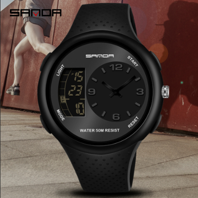 三田男性の防水学生腕時計ダブルディスプレイ発光多機能アウトドアスポーツ人格電子腕時計