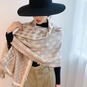 Image 3 - 2019 Nieuwe Collectie Vrouwen Houndstooth Cashmere Achtige Sjaals Dubbele Kanten Vrouwelijke Winter Dikke Warme Wollen Deken Sjaal Wraps