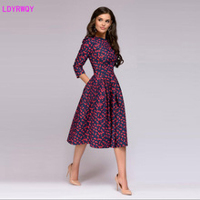 2019 autumn and winter new women's European and American style fashion small floral seven-point sleeve round neck A-line dress 2019 autumn and winter new european and american women s round neck long sleeved printed lace slim a line dress