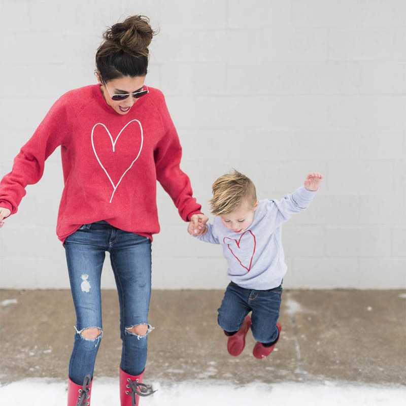 Family Matching Clothes Look Mommy And Me Long Sleeve Heart Shaped Embroidery T-shirt Mother Son Daughter Outfits Clothing