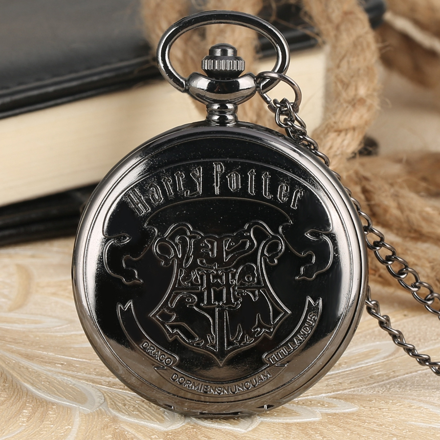Famous Movie Extension Black Hogwarts School Logo H Quartz Pocket Watch Chain Retro Necklace Pendant Gifts For Men Women Kids
