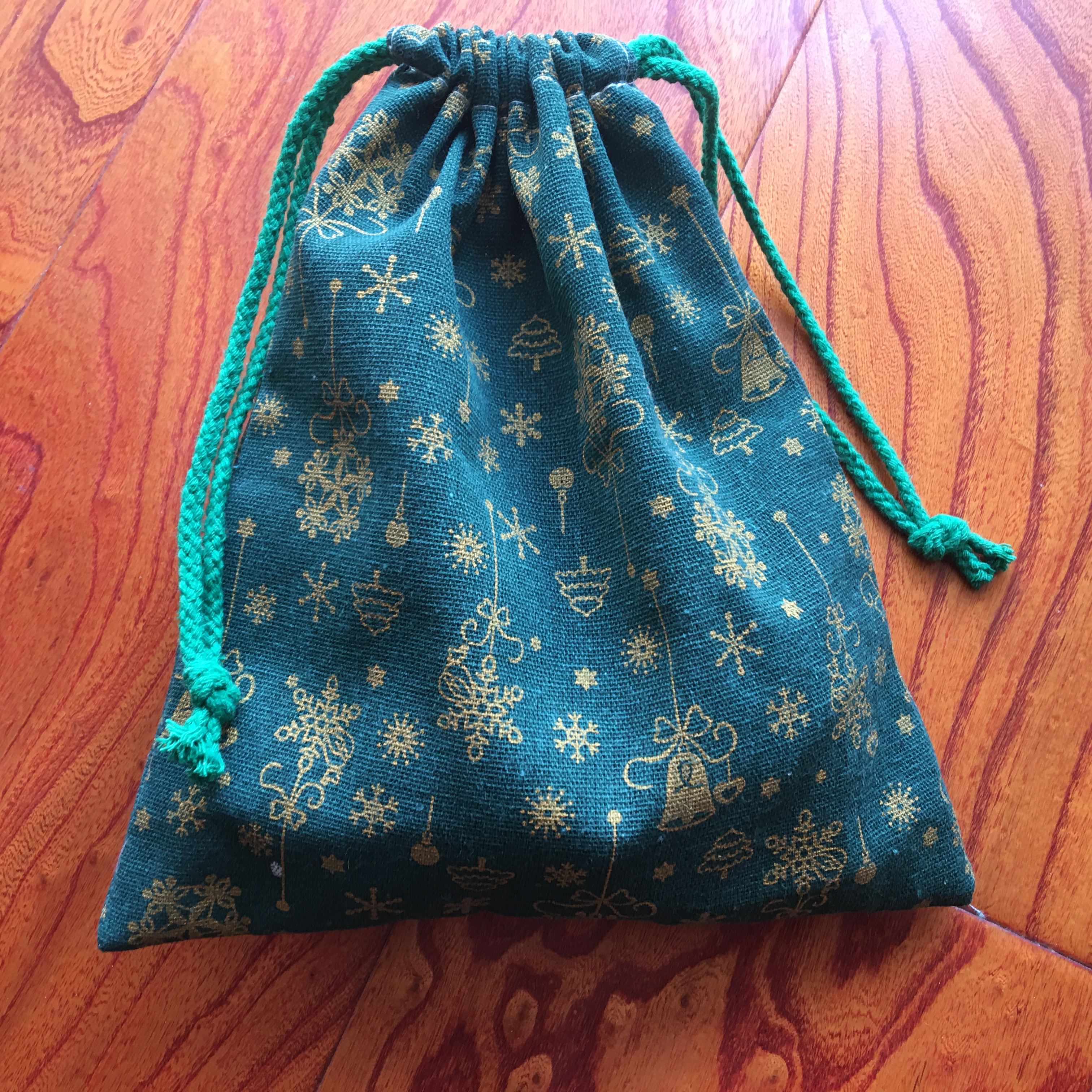 1pc Cotton Linen Drawstring Pouch Multi-purpose Bag Golden Christmas Bell Snowflake Green Party Gift Bag YILE