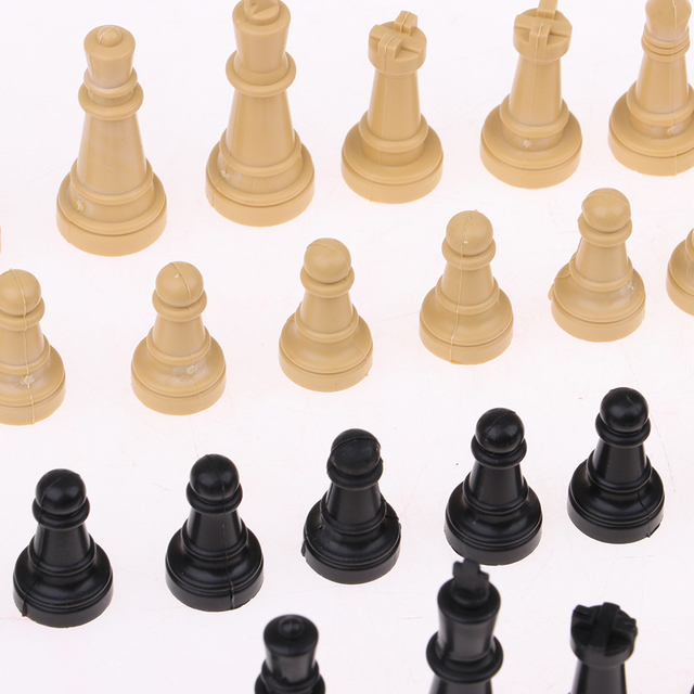 32x pièces d'échecs, sans echiquier 6