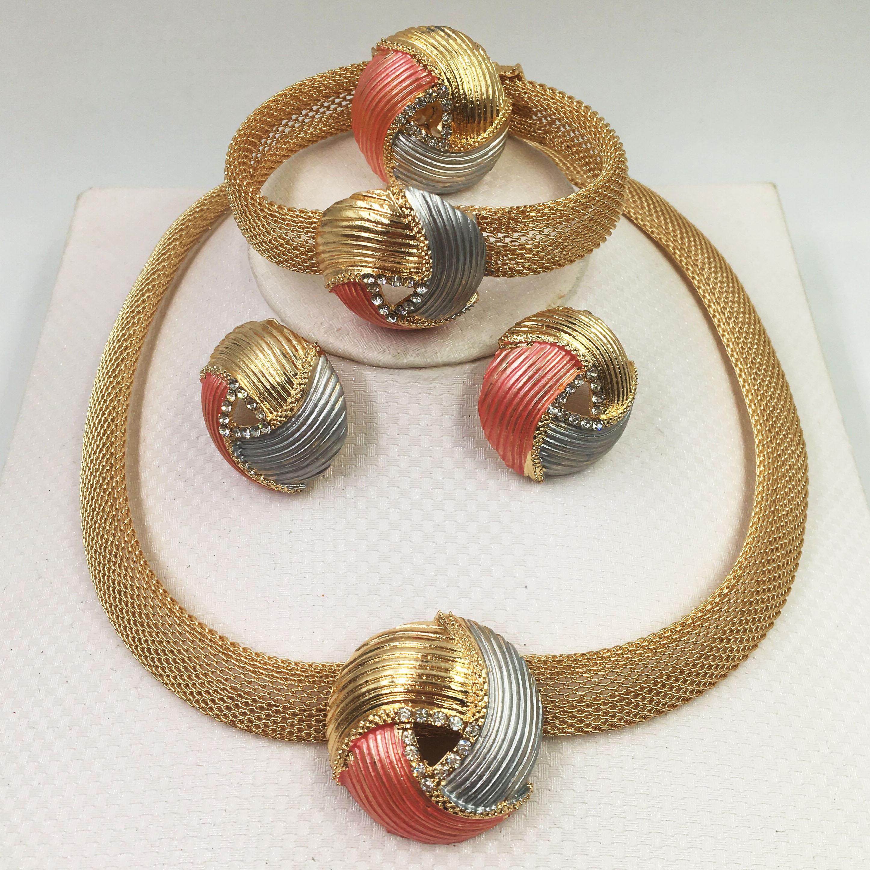 2019 Bridal Gift Nigerian Wedding African Beads Jewelry Set Brand Woman Fashion Dubai Gold Color Jewelry Set Wholesale Design