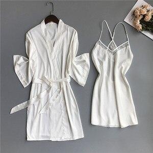 Image 3 - 2019 primavera verão feminino cetim robe & vestido define sexy rendas sleep lounge sem mangas sil nightwear roupão + noite vestido almofadas no peito