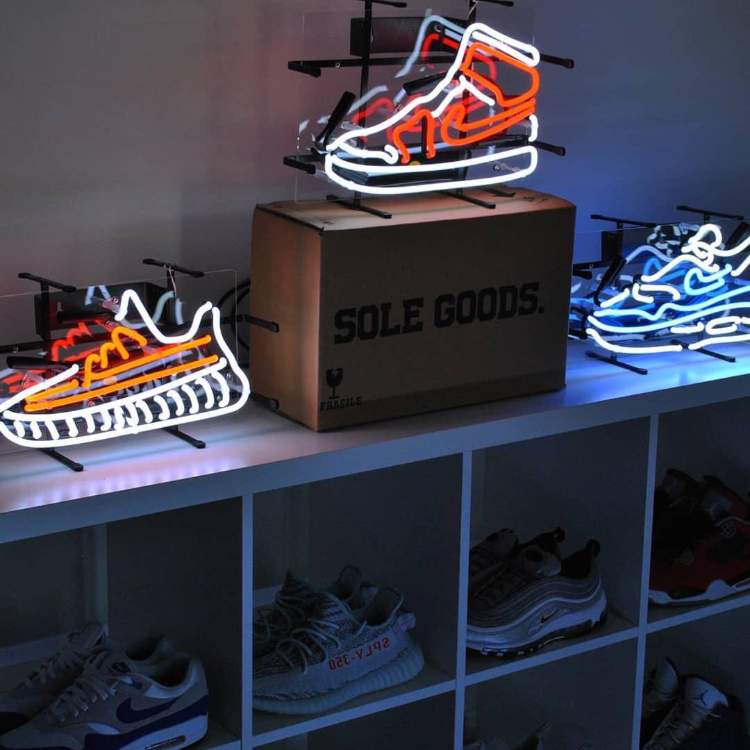AJ1 Sneakers Glass Tube Neon Online Celebrity Room Decorative Lights Shop Wedding Holiday Lights INS Neon