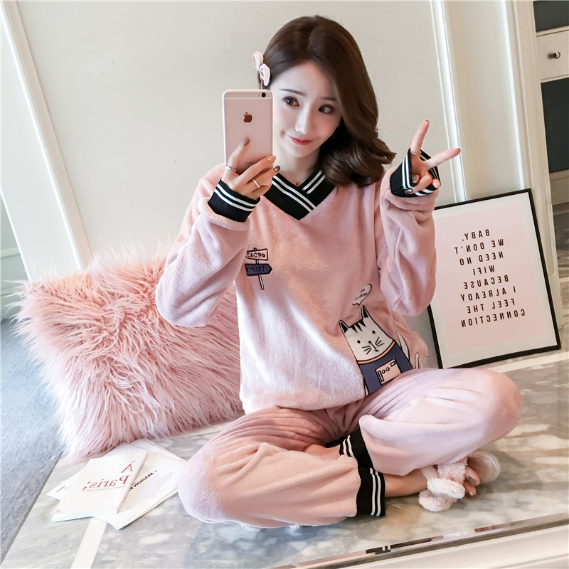 2020 Winter New Korean Version Of The Cat V-neck Flannel Ladies Pajamas Girls Cute Cartoon Hedging Home Service