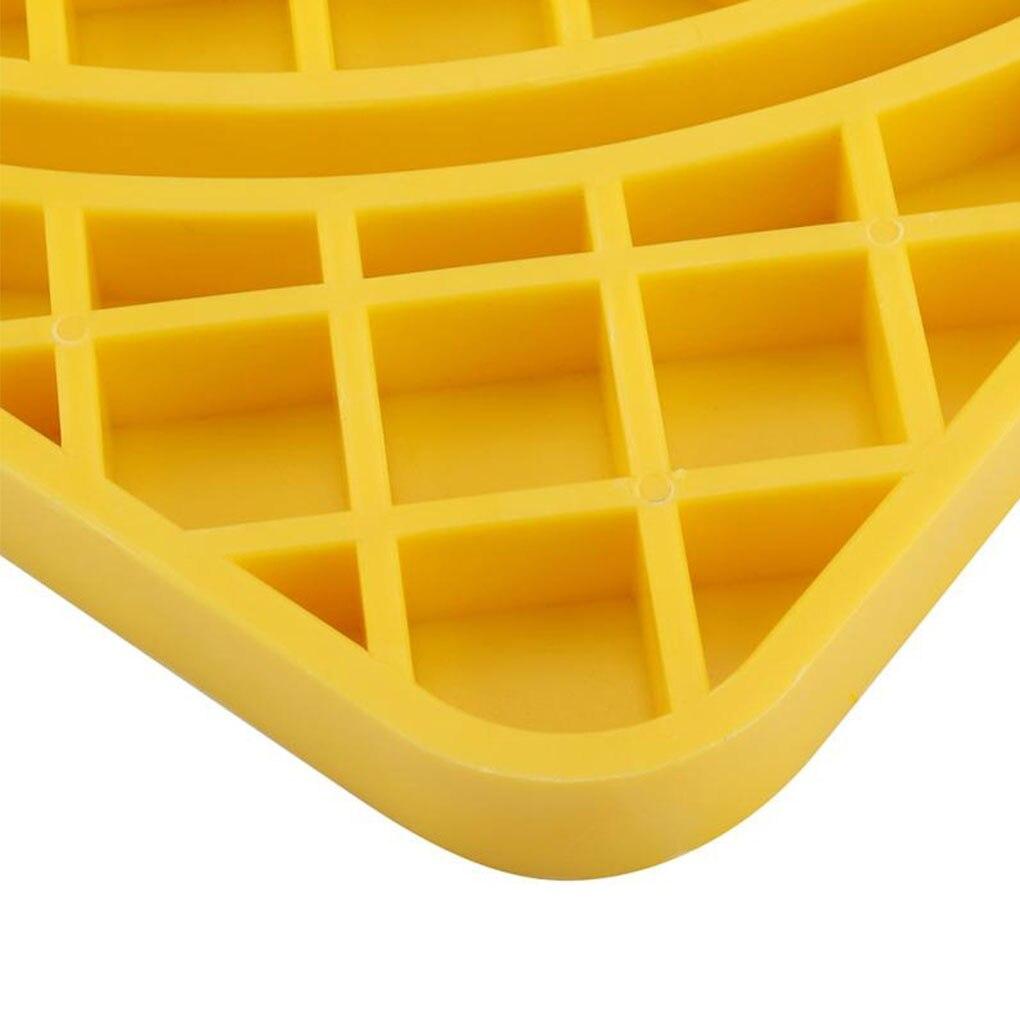 Durable 33x14x2cm Plastic Beehive Scraper Bee Cleaning Honeycomb Beekeeping Tool