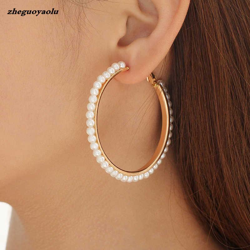外国貿易ホットファッション新スターストリートスタイルスタイル巻真珠金属イヤリング女性の誕生日ギフトの宝石のイヤリング