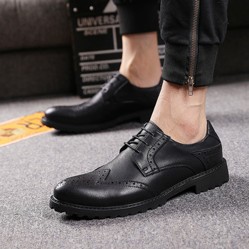 italian brand designer mens leisure wedding party dresses genuine leather bullock shoes carving brogue shoe black sapatos hombre