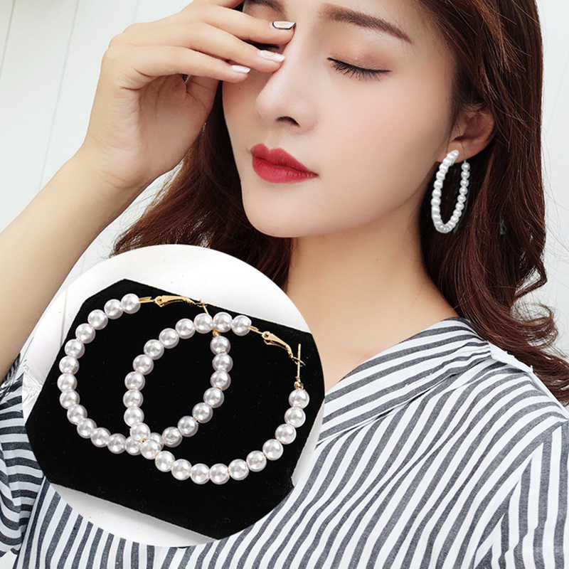 New Pearl Hoop Earrings for Women Exaggerates Oversize Pearl Circle Ear Rings Earrings Fashion Europe Nightclub Jewelry
