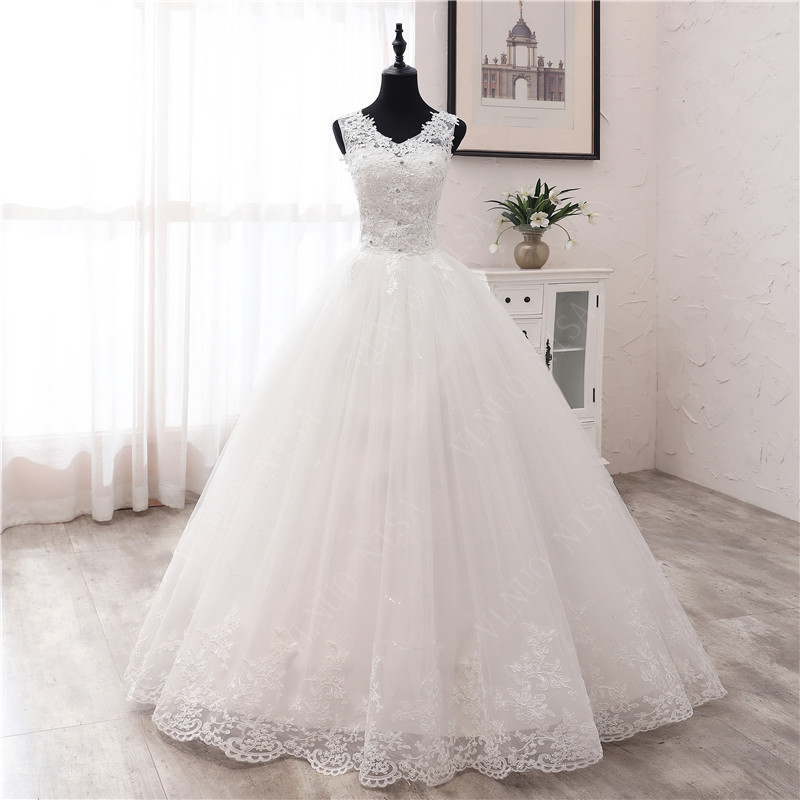 New Fashion Simple V Neck Wedding Dresses Off White Floor Train Applique Sleeveless Ball Gown Princess Bridal Vestido De Noiva 6
