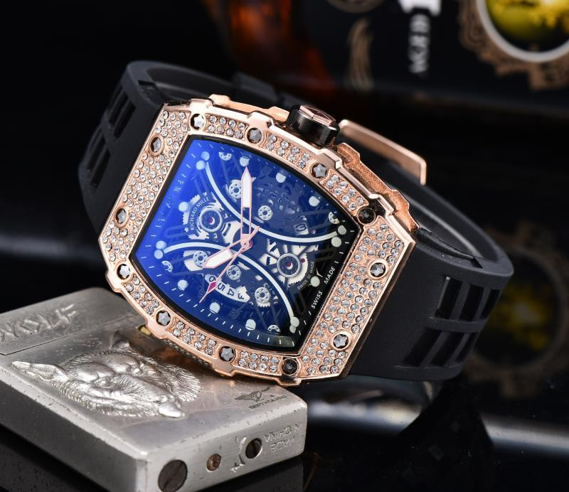 TOP BRAND ANALOG Diamond MILITARY MALE WATCHES Diver Watches Stainless Steel Wrist Man  Male Clock