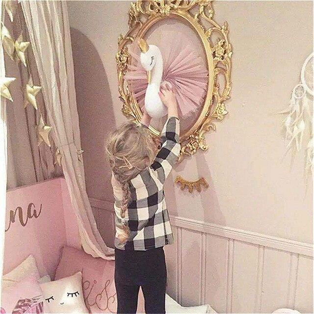 בובת ברבור לקיר בחדר הילדים 5