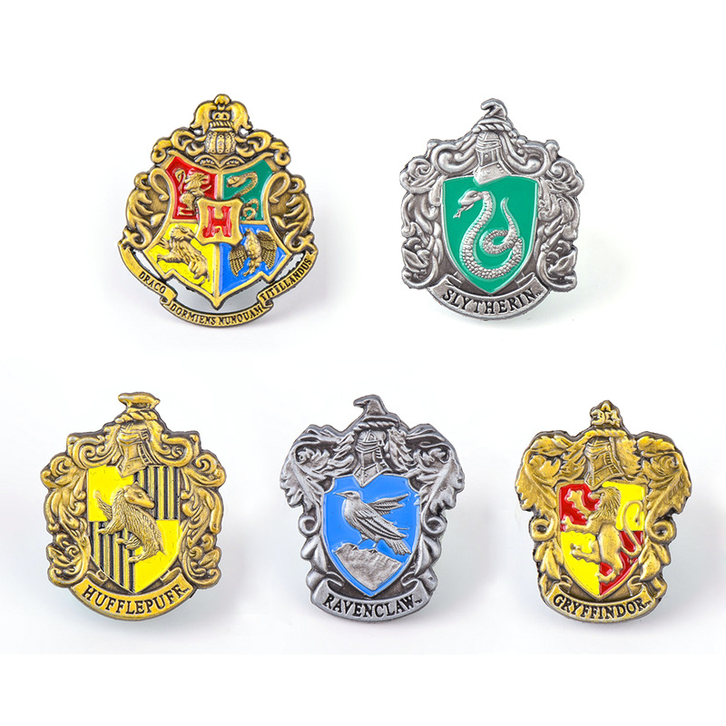 1pcs  Potter Pins Hogwarts School Badge Brooch Gryffindor Ravenclaw Slytherin Hufflepuff Brooches Chestpin Cosplay Props