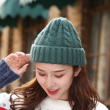 цены Hot Women wool Beanies Girl Winter Hat Candy Colors Hats Thick Warm Bonnet Beanie Soft Knitted Beanies Twist Pattern Caps
