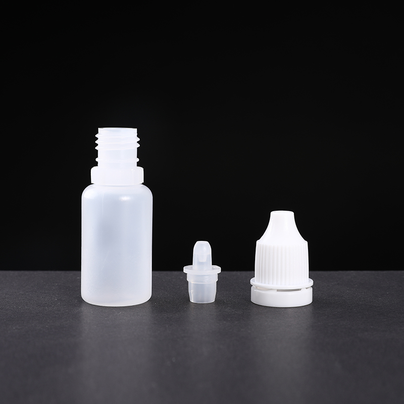 100 Piece Empty Plastic Eye Liquid Dropper Squeezable Small Drop Bottles BPA-Free Container Hot Sell