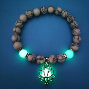 Image 2 - Lichtgevende Glowing In The Dark Moon Lotus Flower Shaped Charm Armband Man Vrouwen Yoga Gebed Boeddhisme Natural Stones Sieraden