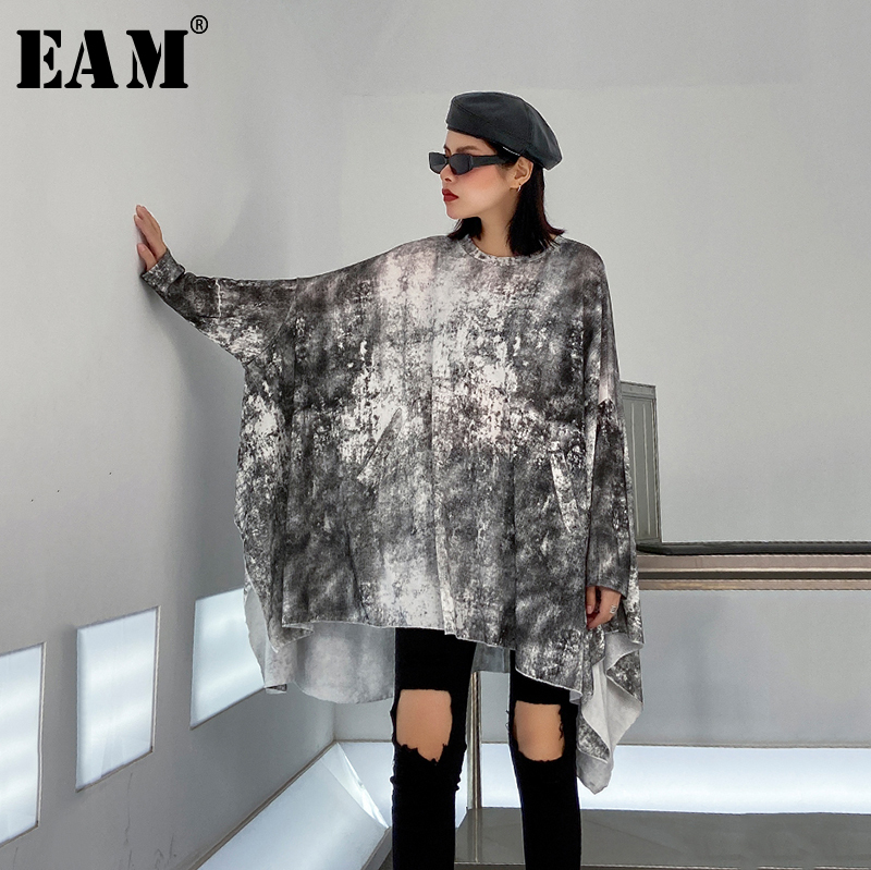 [EAM] Women Pattern Printed Asymmetrical Big Size T-shirt New Round Neck Long Sleeve  Fashion Tide  Spring Autumn 2020 1R454
