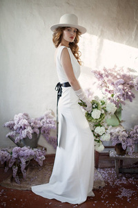 Image 5 - tailor shop custom made pure silk heavy silk 40mm wedding dress silk satin simple forest travel brides backless small trailing