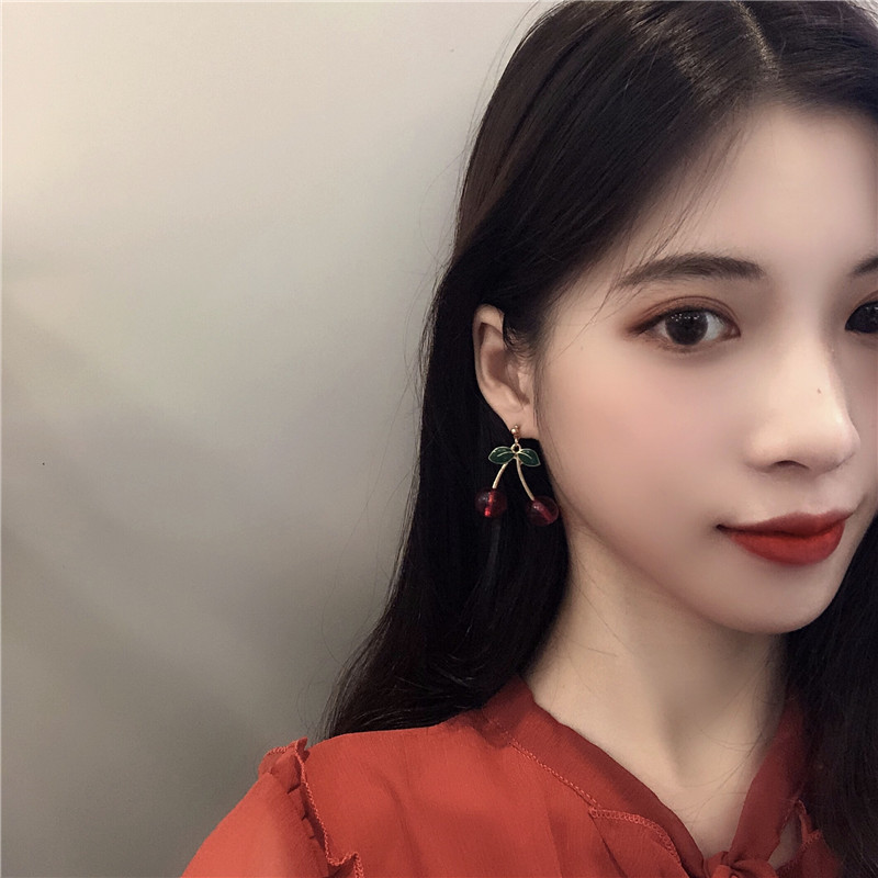 Fashion temperament contracted red cherry earrings woman sweet personality joker small stud earrings