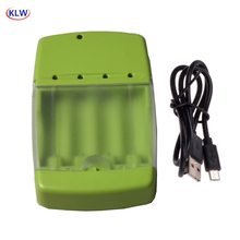Caricabatterie intelligente USB a 4 vie KLW per batterie AA AAA AAAA Nicd Nimh 10440 14500 Lifepo4 con indicatore LED