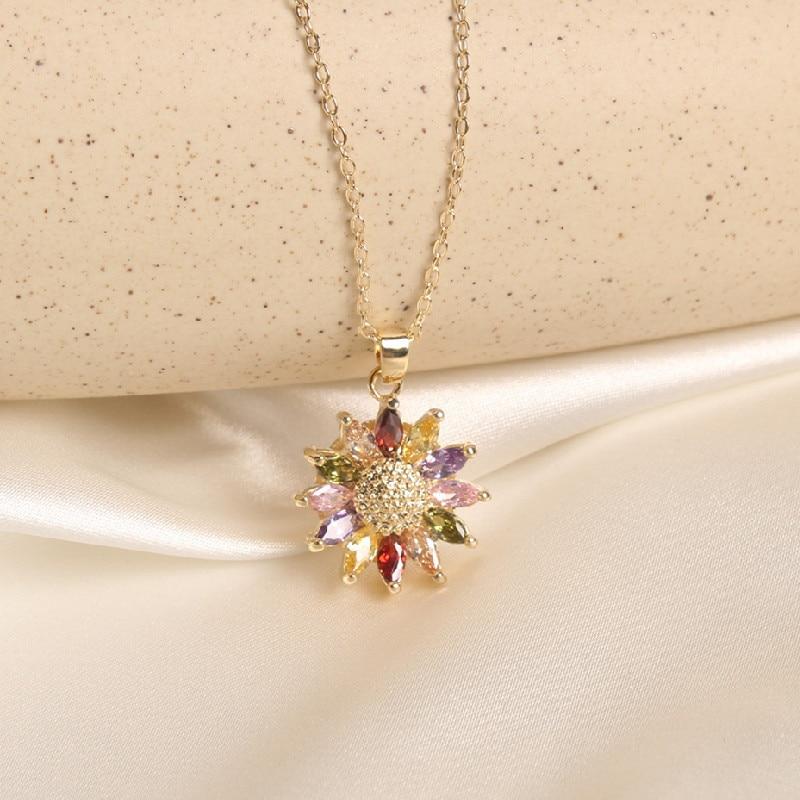2020 Korean New Design Fashion Jewelry Exquisite Copper Inlay Zircon Color Daisy Pendant Elegant Female Clavicle Necklace
