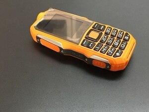 Image 4 - 2018 qualité prix bas Mobile avec caméra MP3 FM antichoc anti poussière robuste sport S8 téléphone pas cher ((peut ajouter le clavier russe)