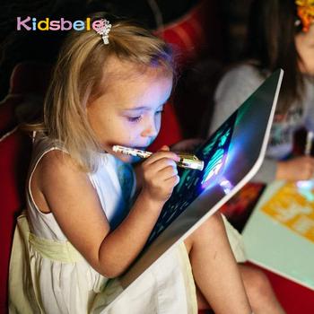 A3 duże światło Luminous tablica do pisania dzieci zabawki Tablet remis w czarna magia z lekko-zabawa fluorescencyjny długopis dzieci edukacyjne zabawki tanie i dobre opinie Kidsbele CN (pochodzenie) Z tworzywa sztucznego TOYB516 Keep away from fire Unisex Deski kreślarskiej 3 lat Farby nauka notebook kolorowania notebook