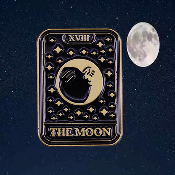 Everything is not as it seems -The Moon Tarot Card Badge Retro Brooch image