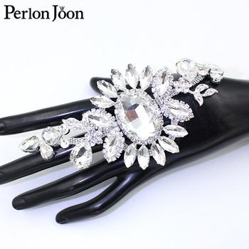 1 sztuka dużego owalne szkła aplikacja ze strasem srebrny kryształ kwiat szyte w akcesoria do dekoracji ślubnych dla nowożeńców YHX088 tanie i dobre opinie Perlon joon CN (pochodzenie) Motywy dżetowe strasy DO SPAWANIA Szkło flatback Bags DO ODZIEŻY buty