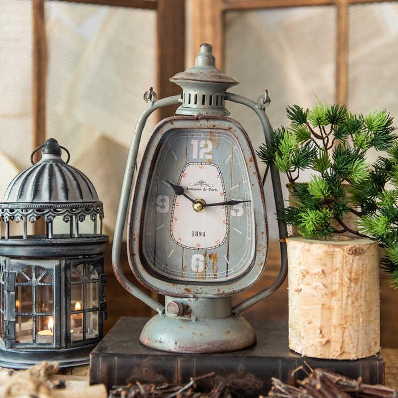 Antico Grigio Maniglia di Candela Lanterna Forma Orologio di Ferro Europeo Fattoria Casa Giardino di Casa Tavolo Decorazione Orologio In Metallo Con Base Rotonda