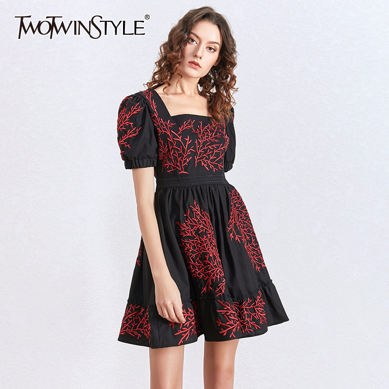 TWOTWINSTYLE Embroidery Vintage Mini Dress Women Puff Short Sleeve A-Line Dresses Female Fashion Clothing 2020 Spring Summer New