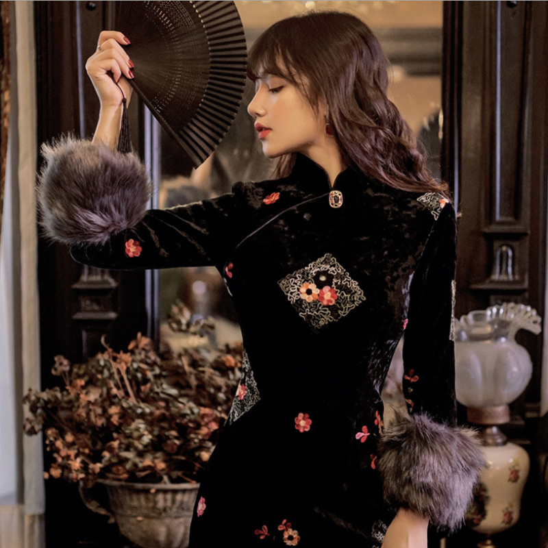 Charm Chinese Retro Cheongsam Dress New High End Embroidery Women Thick Velvet Bodycon Dress Split Sexy Qipao Evening Party Gown