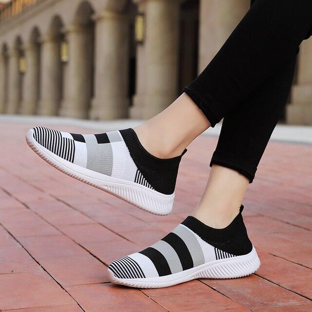 Женские трикотажные кроссовки на плоской подошве без застежки 4