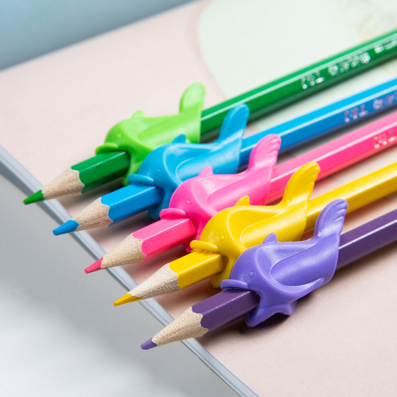 10 pcs/lot Kids Pen Holder Silicone Baby Learning Writing Correction Device Fish Pencil Grasp Writing Aid Grip Stationery Tool