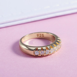 VAGZEB High Quality Office Lady Accessories Rings Golden Color Halo Micro Paved Casual Style Female Jewel With Size 6-10 2021