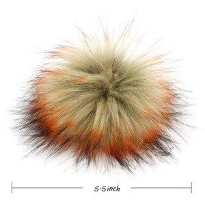 Image 5 - Pack de 12 Pom Pom en fausse fourrure de raton laveur 14CM/5.5 pouces avec boutons à pression pour chapeaux, vente en gros daccessoires pour chapeaux
