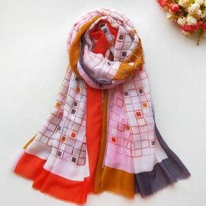 Image 5 - Baumwolle Frauen Lange Schal Weiche Frühling Neue dame Viskose Schals Dünne Sommer Weibliche Herbst Wraps Muslimischen Kopf Schal